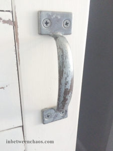 Galvanized door pull, aged with vinegar | inbetweenchaos.com