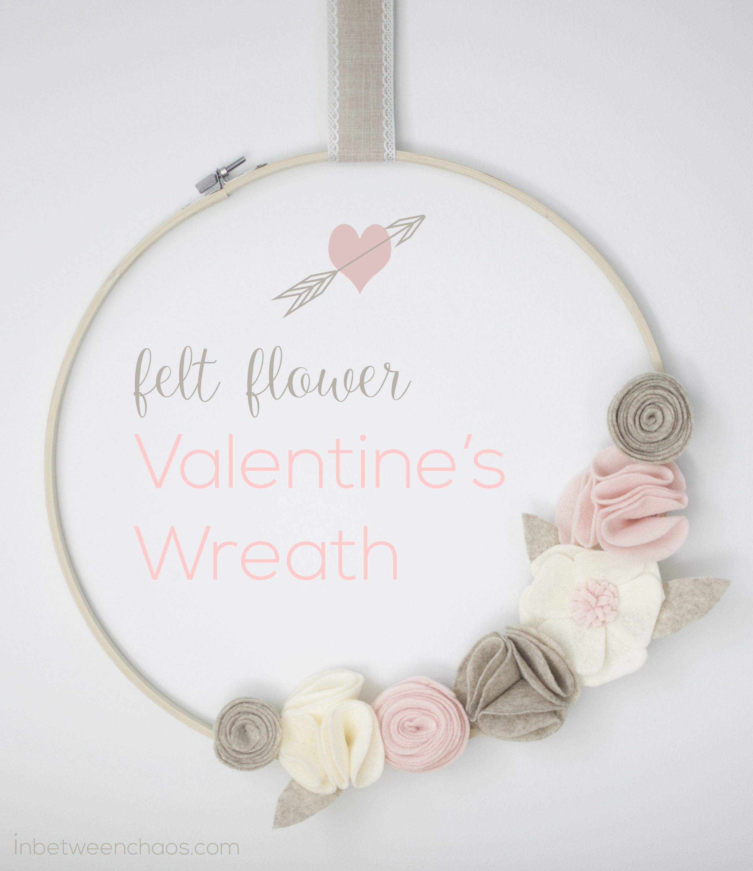 Felt Flower Valentine's Wreath | inbetweenchaos.com